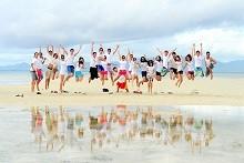 Hoạt động Team Building bãi biển hè