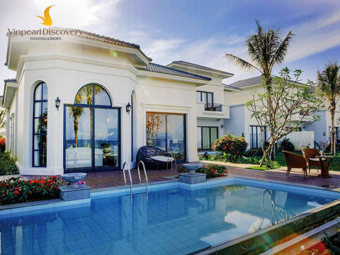 Vinpearl Halong Bay Resort deluxe ocean room